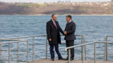 Photo Gallery // Dodon and Krasnoseliski have a friendship walk on the bank of Dniester