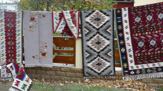 Wall-carpet craftsmanship on UNESCO cultural heritage list at the proposal of Romania and Moldova