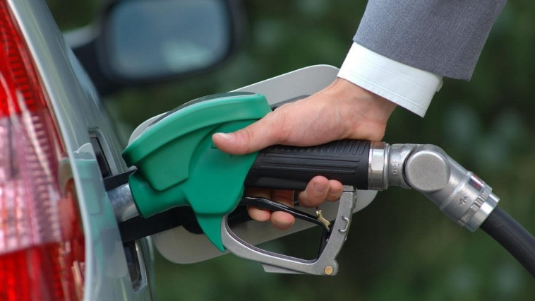 Fuel prices go up again // Gasoline will cost up to 18 lei