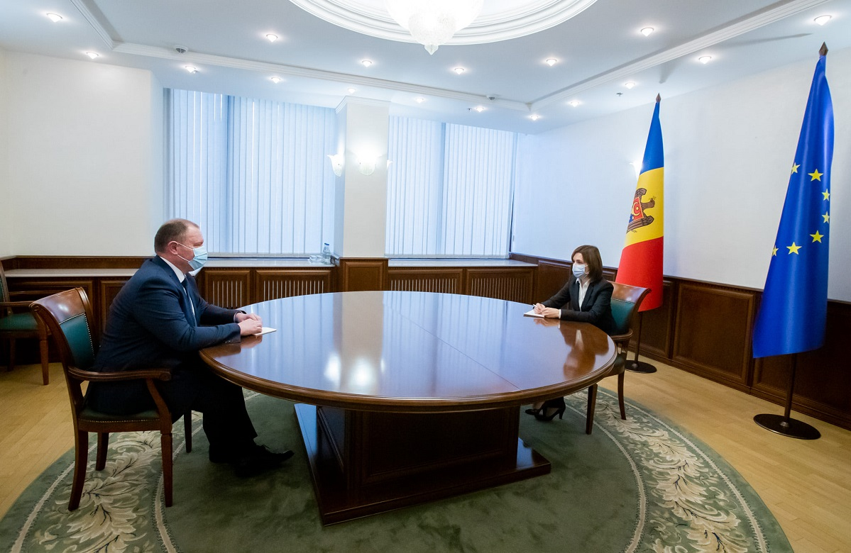 Майя Санду провела встречу с Аурелиу Чокой: Даже если нынешнее правительство не обладает всеми полномочиями, люди ждут помощи от государства